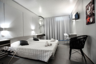 accommodation hippocampus hotel cozy bed