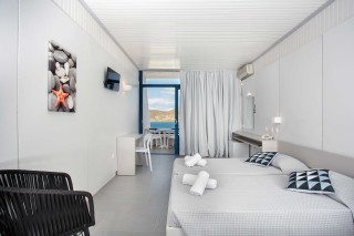 accommodation hippocampus hotel sea view bedroom