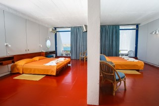 accommodation hippocampus triple bedroom